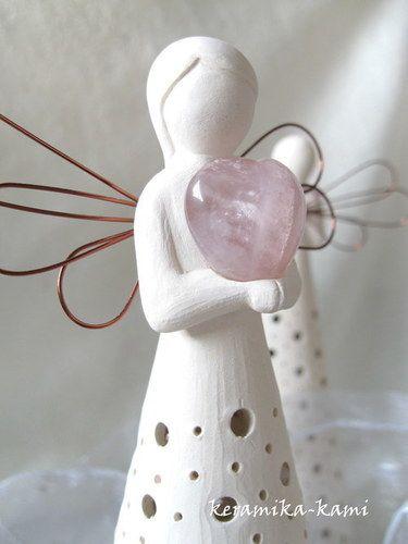 Keramický Anděl Tajemství - Růženínové srdce