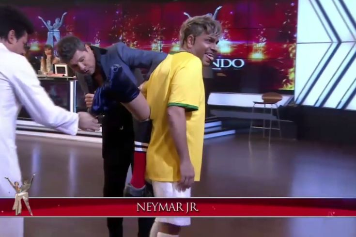 Argentinian TV Mocks Neymar Injury with Crude Impersonator