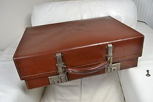 A STUNNING 1940's 'REVELATION' VINTAGE ENGLISH MADE SUITCASE WITH ...