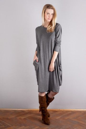 Sukienka z wiskozy - BatWoman http://bozzolo.pl/kobieta/sukienki-dzianinowe-sklep-internetowy.html