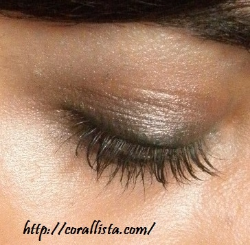 Neutral eyes with Urban Decay Naked Palette (eye shadows : Hustle and Virgin)
