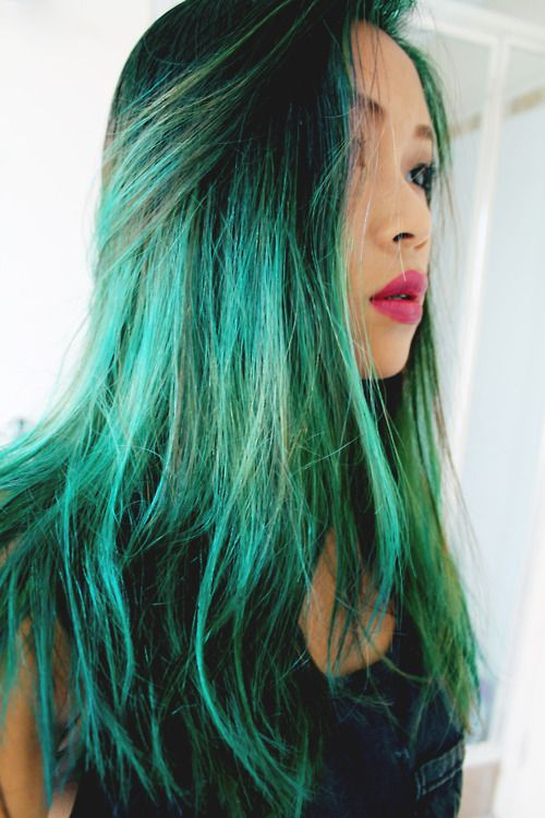 omg if I could work that, I would lol #green #hair