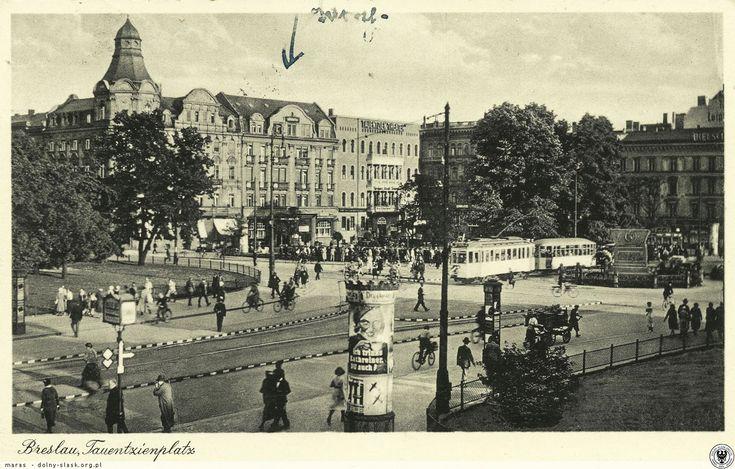 """Plac Kościuszki, unikalny widok w kierunku południowo-wschodnim. Ciekawa reklama na słupie ogłoszeniowym - """"Piję Kathreiner, Ty też?""""Rok 1937"""