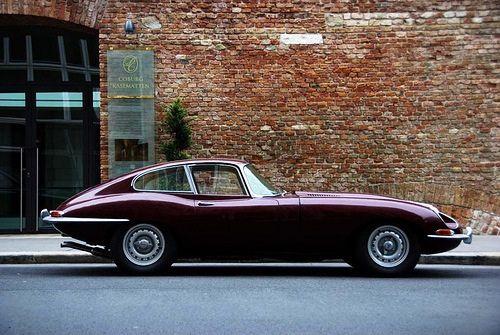 Series 1 Jaguar XKE coupe. My ideal!