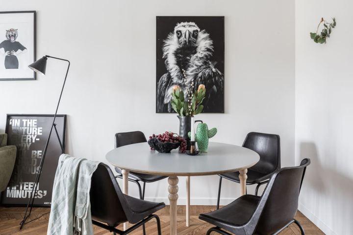 Post: Una minicocina muy elegante --> blog decoración nórdica, cocina azul, cocina mini, cocina moderna, cocina nórdica, cocina piso pequeño, cocina sueca, electrodomesticos primeras marcas, encimera de marmol, mármol de Carrara cocina Smeg, mini pisos suecos, Una minicocina muy elegante