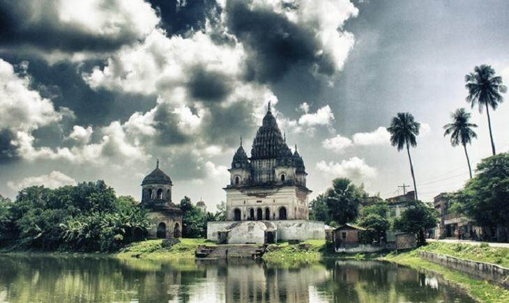 Complexo de Templo de Puthia em Puthia Upazila, Bangladesh