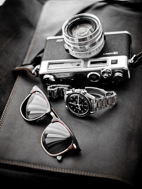 .Ray Bans, Vintage Chic, Menfashion, Style, Vintage Cameras, Men Accessories, Men Fashion, Fashion Accessories, Retro Fashion