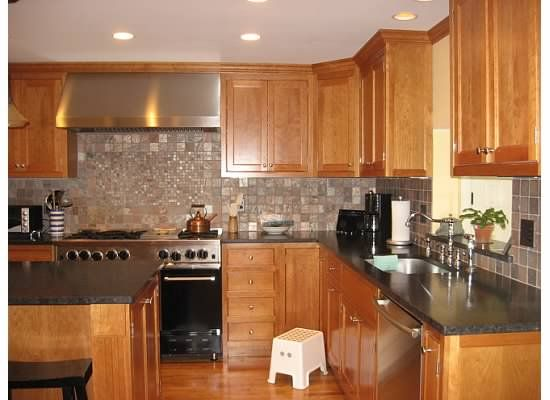 Light cherry cabinets what color countertops re what Kitchen colors with natural wood cabinets