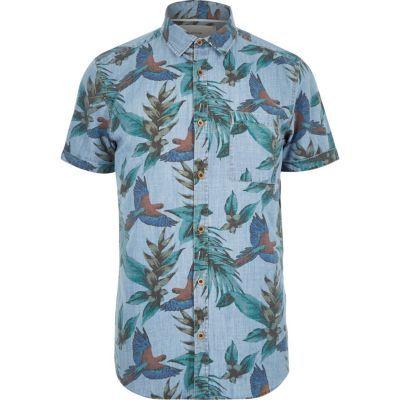 Nog op zoek naar een leuke blouse met korte mouwen voor de lente en de zomer? Wat vinden jullie van deze gave blouse van River Island met tropische print met vogels, hij is nu in de uitverkoop! #mode #heren #mannen #mensfashion #sale #birds #shirt