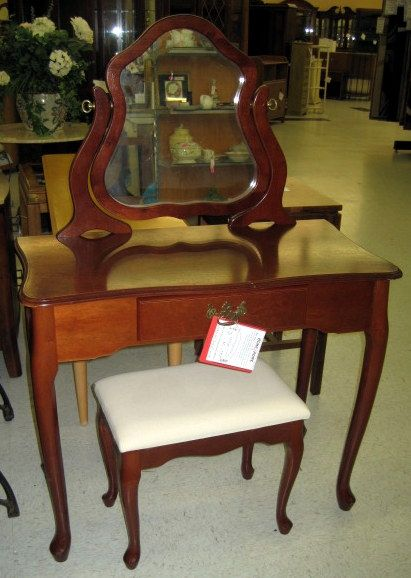 1000 Images About Bedroom Furniture On Consignment On