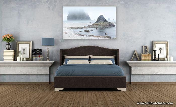 ¿No sabes como decorar tu dormitorio? Aquí puedes ver como queda una de nuestras fotografías con tonos azules y blancos en esta habitación. Busca en nuestra web la fotografía ideal para ti. http://www.yellowtomate.com/