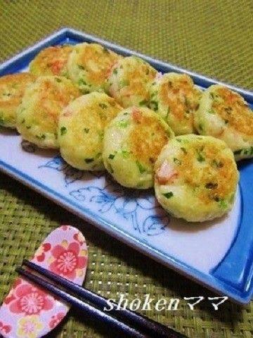 豆腐とはんぺんを使った節約レシピ。ソースも選べて、弁当やおつまみにも使えますよ♪
