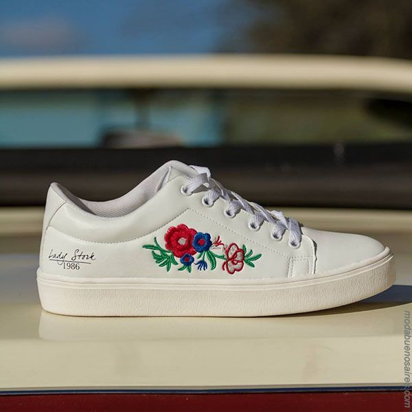 Sandalias 2018. Moda en calzado femenino primavera verano 2018. #zapatillas Lady Stork 2018.