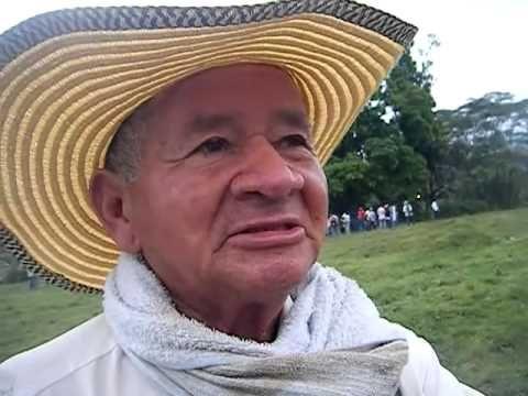 Campesino Colombiano Llorando Por Las Injusticias De Su Pais