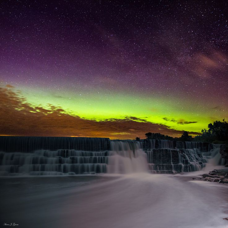 Aurora Borealis from Split Rock Park in Garretson, South Dakota