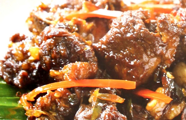 Satu lagi, sebuah kuliner legenda nusantara yang berbahan dasar daging kambing dengan olahan khas nusantara yang siap Anda sajikan untuk keluarga tercinta. Paduan daging kambing yang empuk bersatu dengan rempah menghasilkan cita rasa yang khas dan terasa nikmat di mulut. Temukan resep Kambing Krewedan disini!