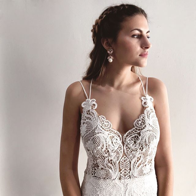 """Meet JONI by @chosenbyoneday. Chosen is perfect for the fashion-forward bride who wants a gown that's less """"bridal"""" and something more BOLD! #chosenbyoneday  #Regram via @lovelybride"""