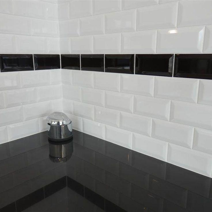 The Bathroom In Black And White Masalledebain Com Bathroom Black Masalledebain White Ladrillos Blancos Azulejos Tipo Metro Azulejos