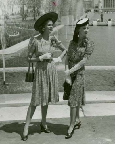 Classy Ladies in 1940s dresses fashion war era WWII rayon print dress found photo models magazine ad shoes hat purse gloves
