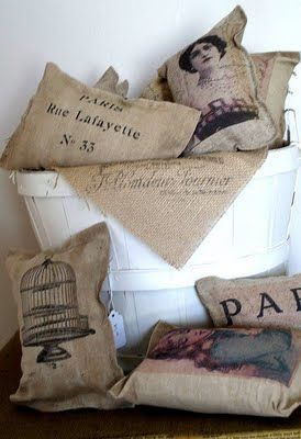 Crafts: Mini Pillows - No Sew (The Graphics Fairy)