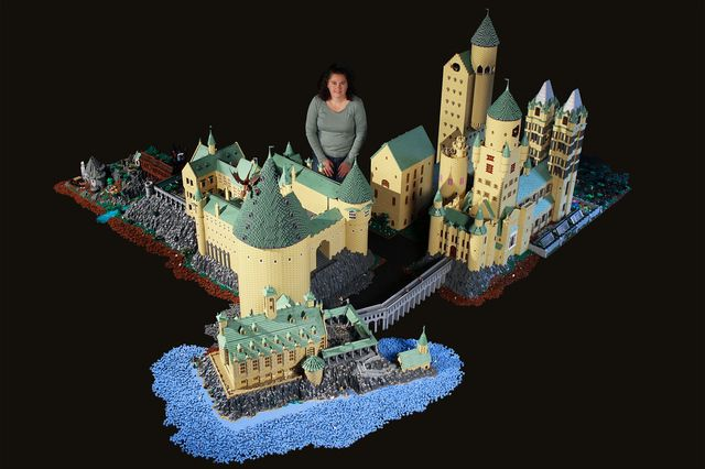 Amazing Lego Hogwarts!! Check out the details of the inside on the flickr page