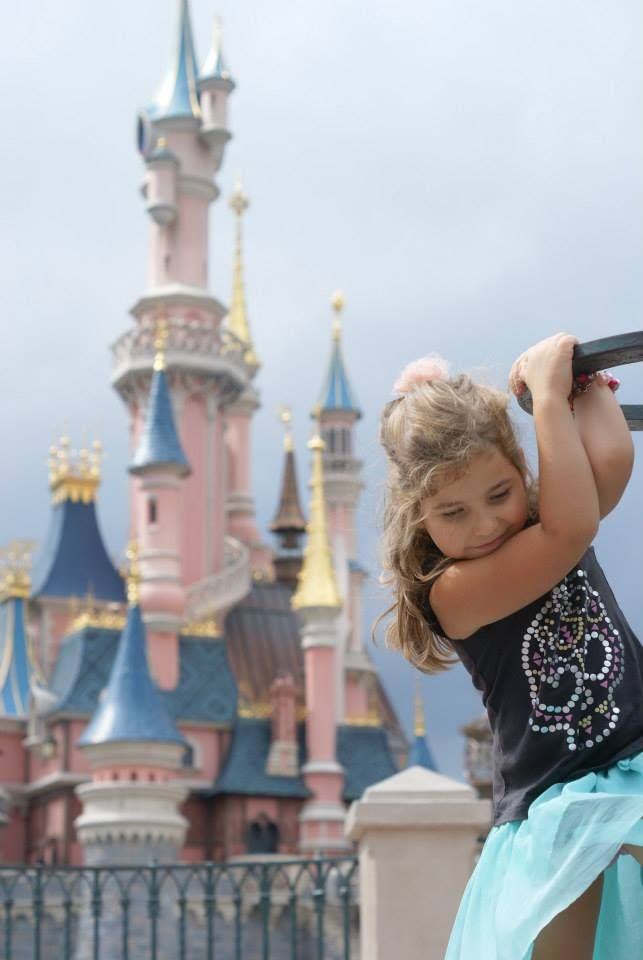 Disneyland Paris...https://www.facebook.com/pages/R%C4%99koczyny-Katarzyny/749456888458736?ref=hl
