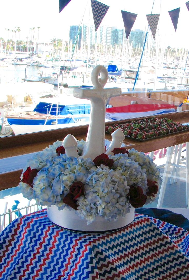 Anchor Centerpiece with hydrangea & roses.