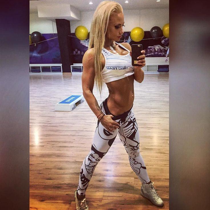 Repost via Instagram: #haveaniceday #miłegodnia #peknýdeňvšetkým #poland #slovakia #gdansk #bratislava #fitness #bikinifitness #ifbbbikini #ifbb # # @extrifit.cz # @trecgirl_official # @trecwear # by andrea_neumannova_ifbb