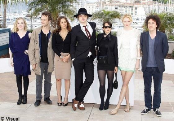"""Lily Cole et Pete Doherty, couple rock'n'chic à Cannes  """"Confession d'un enfant du siècle"""" avec notamment Pete Doherty, Lily Cole et Karole Rocher."""