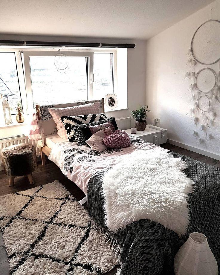 Süße Träume! In diesem traumhaften Schlafzimmer sind süße Träume eine Grundvoraussetzung …   – Ab ins Bett