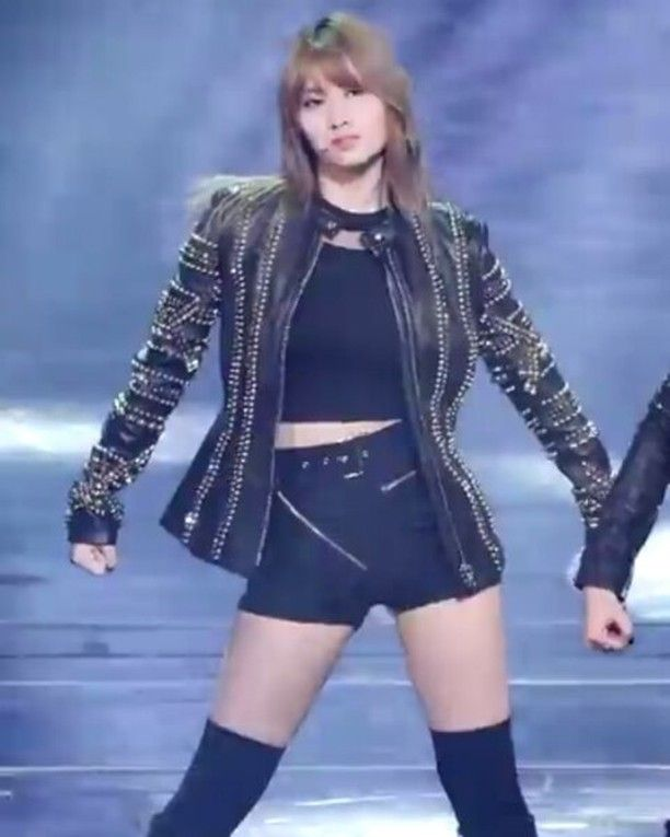 WAIT BUT I THOUGHT MOMO COULDN'T DANCE I THOUGHT TWICE WAS UNTALENTED I MEAN THAT'S WHAT THRICE SAY?  BTW I'M BEING SARCASTIC  #twice #nayeon #Tzuyu #jeongyeon #momo #mina #sana #chaeyoung #jihyo #dahyun #cheerup #kpop #kpopf4f #exo #bts #blackpink #kpopexlikes #kpopl4l #ittnw #wondergirls #fancam #ONCE #fancams #kpopfancams #girlgroup #stellar #girlgroup #MOMOfancam #taetzufancam #TT