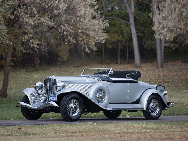 1934 Auburn Twelve Salon Cabriolet - (Auburn Automobile Company Auburn, Indiana 1900 -1936)