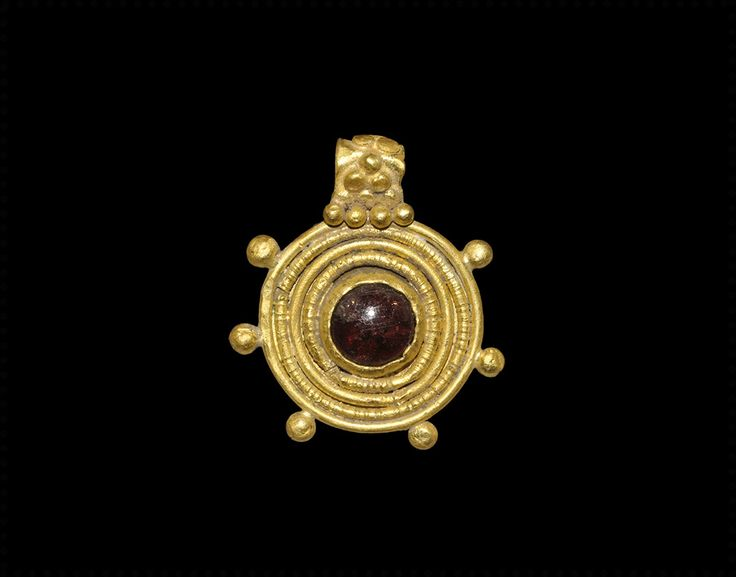"""ancientjewels: """" 3rd-4th century gold and garnet Roman pendant. From Timeline Auctions. """""""