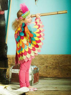 burda style, Schnittmuster für Fasching, Kinder -  Papagei-Kostüm aus Filz-Flügeln und Kopfschmuck mit Federn, Nr. 154 aus 01-2013 - Foto: Andreas Achmann