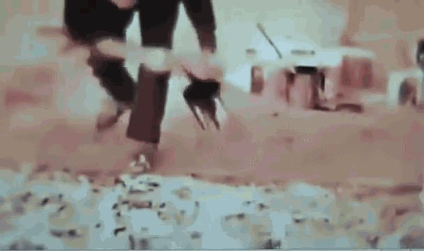 Happy Birthday Jackson Pollock! The legendary artist was born on this day in 1912.  Check out this ‪#‎gif‬ of the artist at work