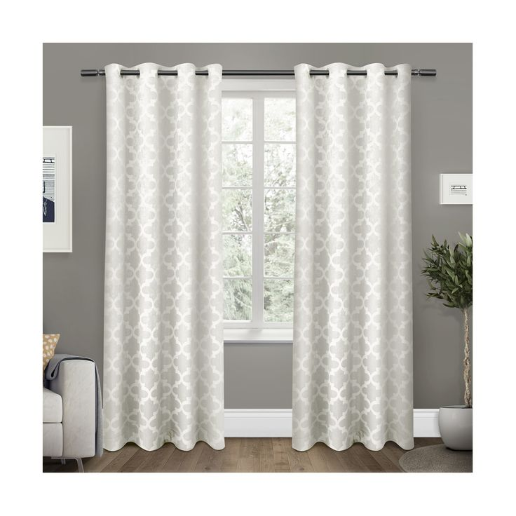 • 100% polyester                                                                                                                      <br>• Sun block-out and thermal insulated                                                                                                                                   <br>• Grommets for durability and easy hanging   <br><br>The sophisticated grid work pattern of this Set of 2 Exclusive Home Cartago Insulat...