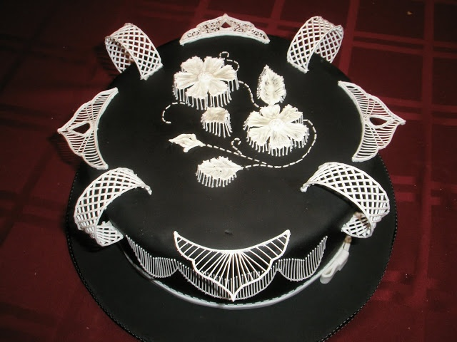 The Cake Engineer: Defying Gravity-- Royal Icing Style...  Love this Black and White cake