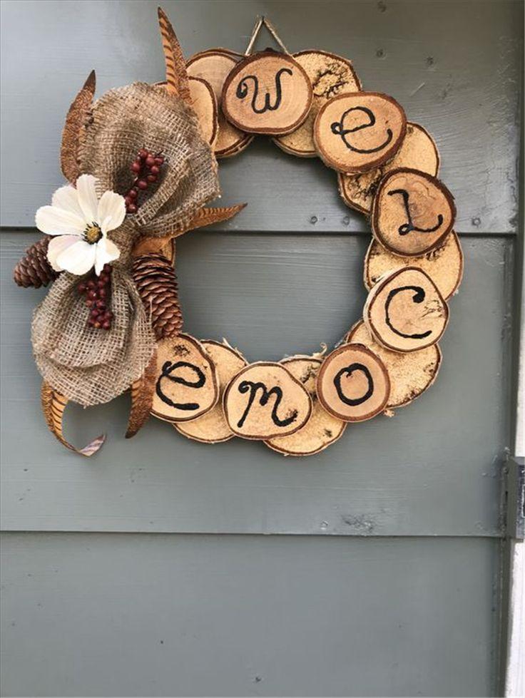 Wie man einen rustikalen Holzscheibenkranz macht ...