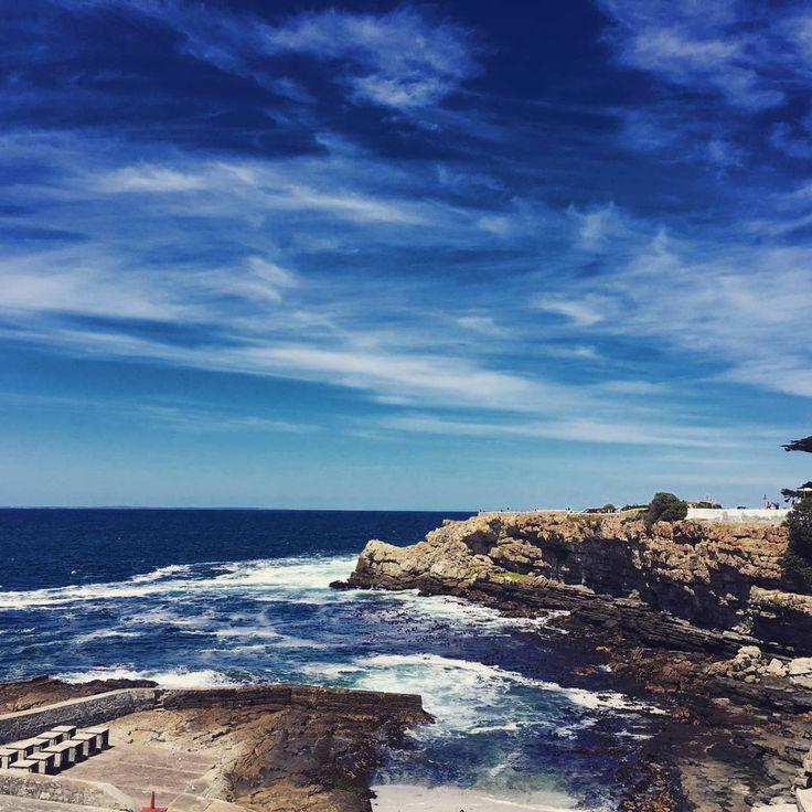 """Beautiful and scenic Hermanus!@andrew851002 #hermanus #whalewatching #southafrica #holiday #relajando #totalmente #nature_perfection #travelgram"""