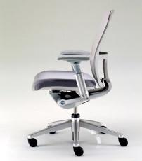 """Büro sandalyesi deyince aklımıza sıradan basit bir """"sandalye"""" gelirdi. Artık eski alışkanlıkları bir kenara koymanın vakti geldi. Şık tasarımlarıyla yeni trend modeller sayesinde konfor ve sitller birarada sunuluyor. Artık üretici firmalar tüm bu gelişmeleri teknoloji ile birleştirip bizlere bürolarımızda farklı çalışma ortamları yaratabileceğimiz büro sandalyesi sunuyorlar."""