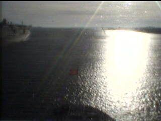 Queen Victoria - Bridge (Forward) Webcam / Camera 7.57 pm last one