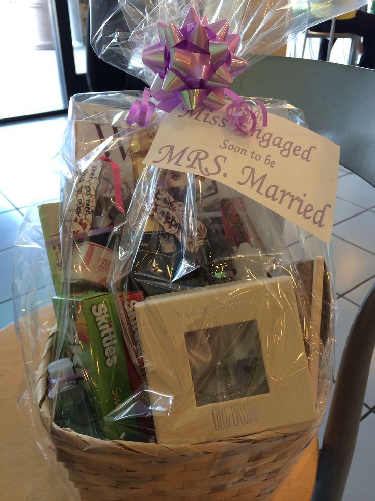 The 25+ best Engagement gift baskets ideas on Pinterest ...
