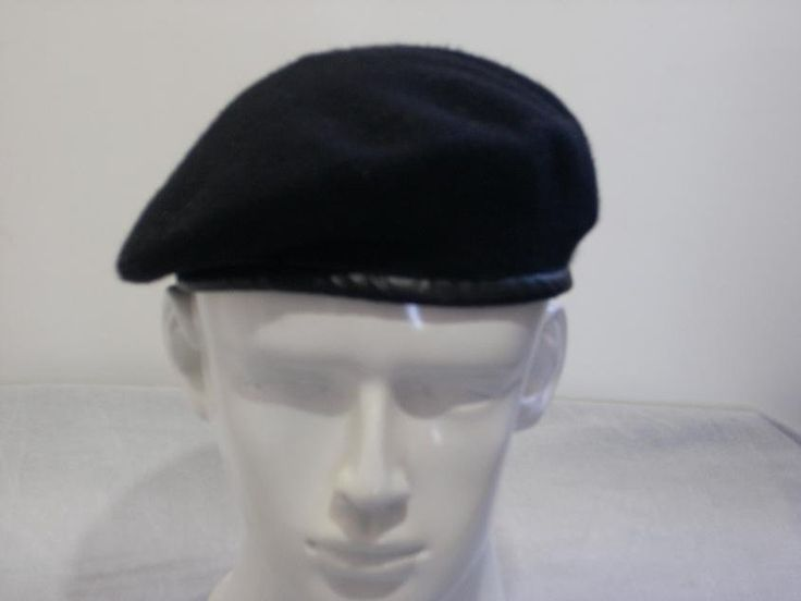 I found a beret like this in Venice.