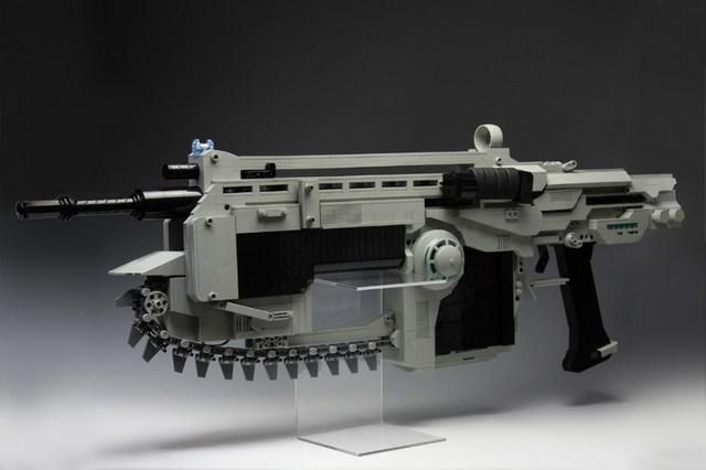LEGO bricks make up life-sized Gears of War Lancer Assault Rifle