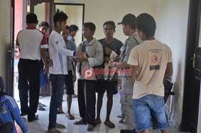 Buruh Proyek di Lepang Dijaring Satpol PP - http://denpostnews.com/2017/03/10/buruh-proyek-di-lepang-dijaring-satpol-pp/