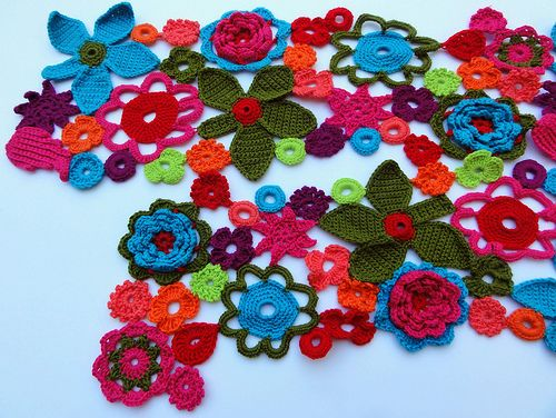 flower power scarf: Crochet Flowers Scarfs, Crochet Flower Scarf, Idea, Flowers Scarfs Absolutely, Flowers Birds Butterflies, Flowers Power, Flower Power, Scarfs Flowers