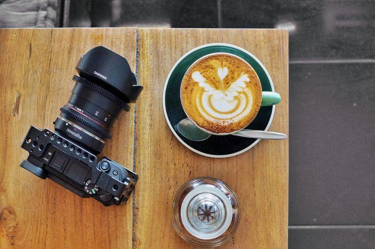 Harga secangkir kopi termurah di dunia adalah di Rio de Janeiro, Brasil. Berdasarkan data dari 2016 Coffee Price Index membandingkan harga kopi di 75 negara di dunia, dijual dengan harga rata-rata £0.84 atau sekitar Rp 13,828.