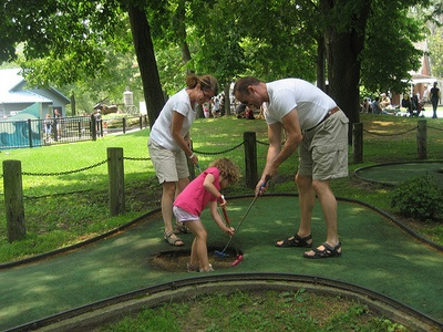 Some Father's Day ideas for things to do in the GTA! For other fun ideas and things to do in Ontario: http://www.summerfunguide.ca/019/amusement-parks-water-parks-mini-golf-more.html #summer #fun #ontario #fathersday #golf