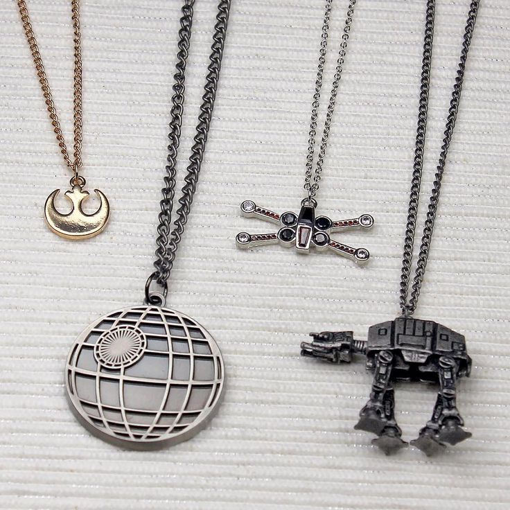Star Wars Original trilogy jewelry also works well for Rogue One outfits ⭐️ Star Wars fashion ⭐️ Geek Fashion ⭐️ Star Wars Style ⭐️ Geek Chic ⭐️