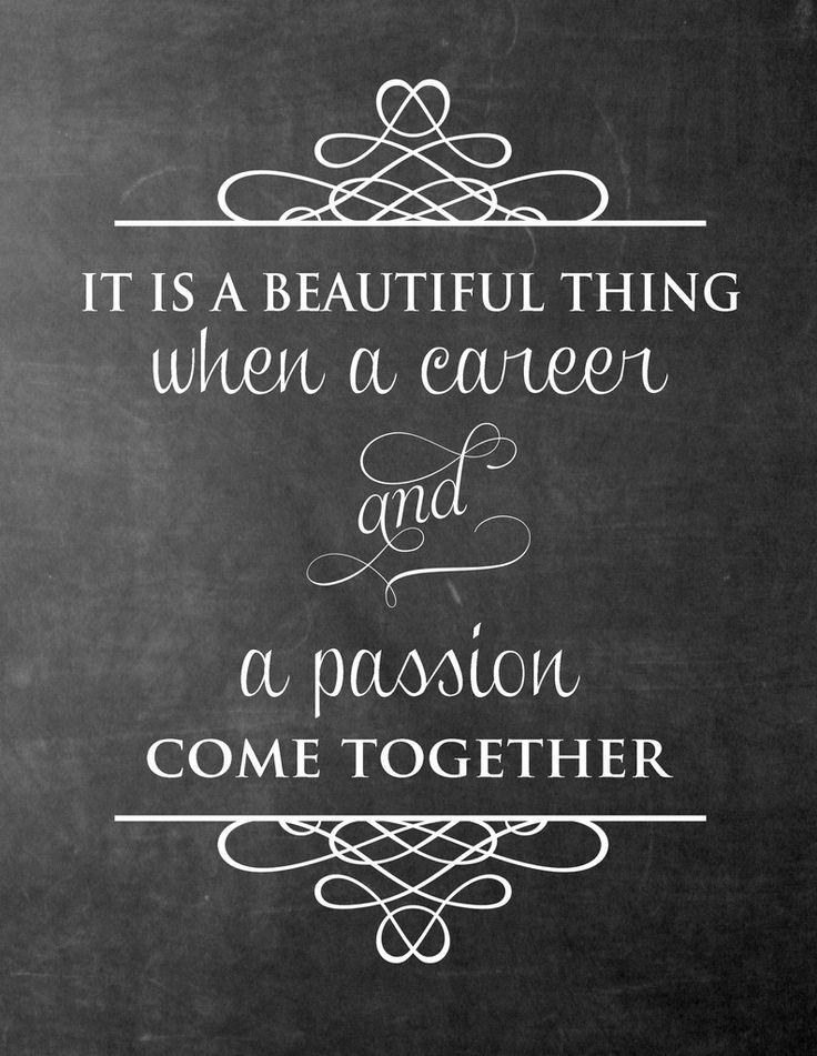 [ Enthousiasme ] : Ik weet mensen door mijn positieve houding en enthousiasme overal in mee te nemen. Ik denk ook dat dit mijn grootste kracht is waardoor ik dingen durf en kan zeggen tegen mensen. Mijn passie is naast Indonesië, ook het overbrengen van mijn energie en enthousiasme. Niets is mooier om mijn carrière en passie dan samen te doen.